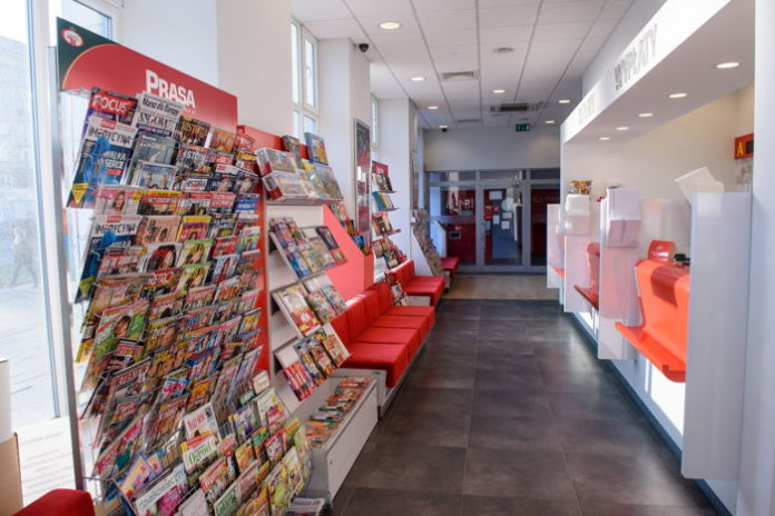 Poczta Polska zanotowała 400 mln złotych przychodu ze sprzedaży produktów w placówkach