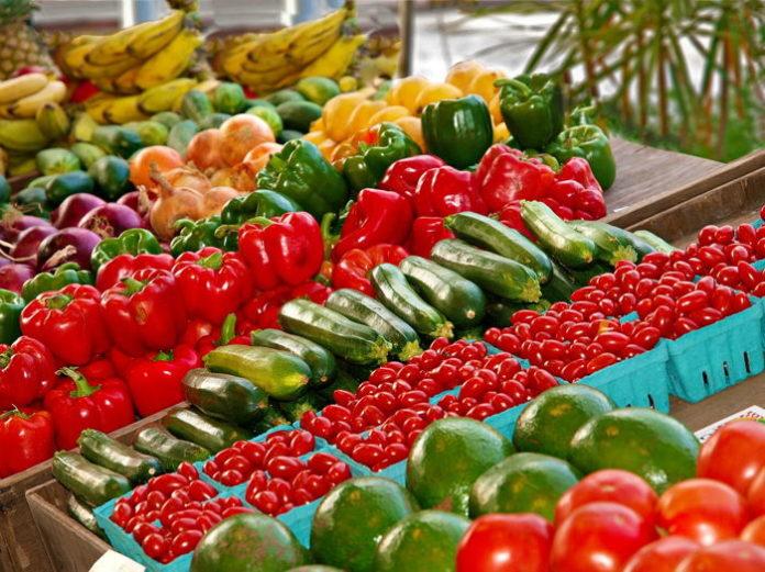 Carrefour Polska po raz pierwszy podpisał kontrakty farmerskie z polskimi rolnikami